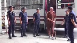 Johan van Laarhoven bij de rechtbank in Thailand (Foto: Youtube).