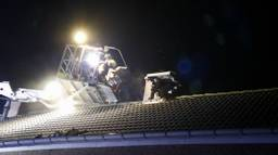 Brandweer in actie na blikseminslag in Boxmeer (foto: SK-Media).