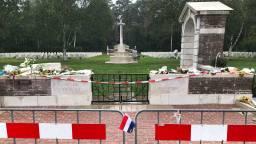 De oorlogsbegraafplaats is op tijd schoon voor de herdenking. (Foto: Alice van der Plas)