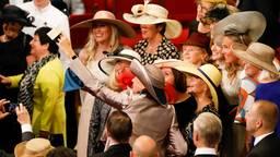 Zo'n hoed moet natuurlijk op de foto. (Foto: ANP)