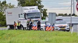De verstekelingen zaten in een Spaanse vrachtauto (foto: Anthony Decock/Dekortmedia )