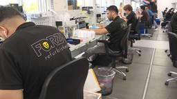 iPhones, iPad en MacBooks worden gecontroleerd bij Forza Refurbished in Breda (foto: Raoul Cartens)