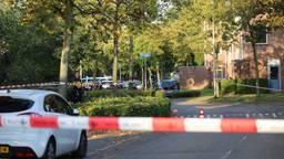 Een deel van de wijk werd na de schietpartij afgesloten (foto: Alexander Vingerhoeds).