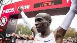 Eliud Kipchoge liep de marathon in minder dan twee uur tijd. (Foto: ANP)