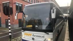 De NS zet maandag bussen in omdat er geen treinen rijden tussen Den Bosch en Utrecht. (Foto: Tonnie Vossen)