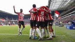 PSV viert de treffer van Steven Bergwijn (Foto: Hollandse Hoogte).