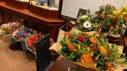 De juwelierszaak Franc Cortenbach stond na de overval vol met bloemen van mensen die meeleefden (foto: Birgit Verhoeven).