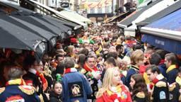 Grote drukte tijdens carnaval in Den Bosch. (foto: Henk van Esch)