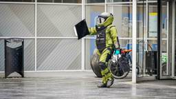 Onderzoek naar de 'handgranaat' op Eindhoven Airport (Foto: Sem van Rijssel /SQ Vision).