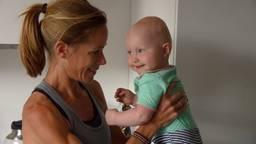 Kim Dillen met haar dochter Laurenne