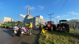 Boeren voerden woensdag nog actie bij de Amercentrale in Geertruidenberg. (Foto: Niels Penninkhof)