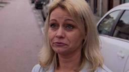 Cindy Janssen is blij met de nieuwe riolering in haar straat.