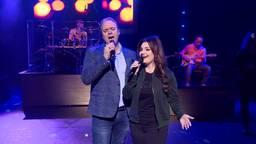 Frans Bauer zingt in de show ook een duet met Sieneke. (Foto: Omroep Brabant)