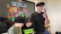Andy Marcelissen geeft tonpraatles (Foto: René van Hoof)