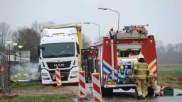 Dode in uitgebrande auto is een man uit Overlangel (foto: Maickel Keijzers/ Hendriks Multimedia).