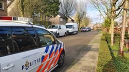 Politiewagens in de Vossenheuvel (foto: Collin Beijk).