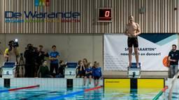Maarten van der Weijden ging kort na zeven uur van start. (Foto: Marcel van Dorst/ SQ Vision)