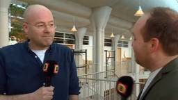 Verslaggever Willem-Jan Joachems (l) en Noël van Hooft (r) over Operatie Alfa.