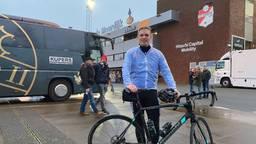 Frank Kriellaars bij aankomst bij het stadion van FC Emmen.