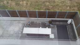 Het uitzicht vanuit het zorghotel.