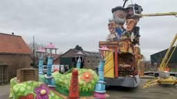 Veel carnavalswagens gingen door de slechte weersomstandigheden niet de weg op.