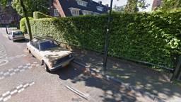 Zelfde auto, andere straat (Foto: Google).