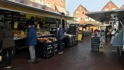 De markt in Loon op Zand gaat vrijdagmorgen gewoon door. (Foto: Ilse Schoenmakers)