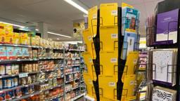 Het lege kaartenrek in de supermarkt (foto: Birgit Verhoeven)