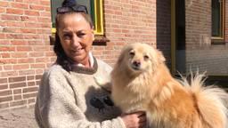 Els Adams zorgt dat huisdieren na het overlijden van hun baasje een nieuw thuis krijgen (Foto: Erik Peeters)