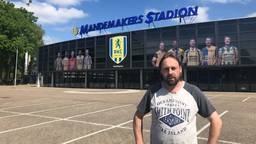 RKC supporter Adrie Buijs bij het  stadion in Waalwijk