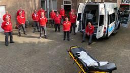 Het Rode Kruis Noordoost-Brabant vervoert coronapatiënten