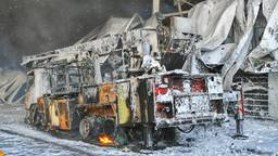 Ook een brandweerwagen moest het ontgelden. (foto: Rico Vogels/SQ Vision Mediaprodukties)