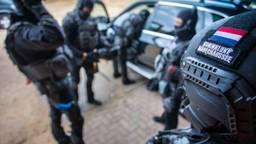 De man is aangehouden voor heling (foto: Koninklijke Marechaussee).
