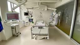 Zo ziet een ic-kamer eruit in het Bravis Ziekenhuis in Roosendaal (foto: Birgit Verhoeven)