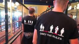 De vrienden hebben de shirts maandag voor het eerst uitgeprobeerd. (Foto: concept 91)