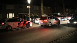 Agenten op straat in Helmond (foto: Harrie Grijseels/SQ Vision)