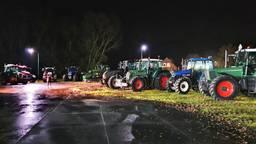 De boeren vertrekken maandagavond al vanuit Schaijk (foto: Collin Beijk).