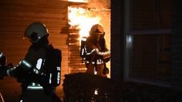 De brandweer was snel ter plaatse om de bewoners in veiligheid te brengen.