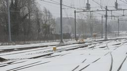 Ondergesneeuwde sporen en spoorwissels (archieffoto: ProRail)