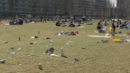 Afval in het Spoorpark in Tilburg.