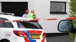 Zahavi zondag na de overval bij zijn huis in Amsterdam (foto: Lorenzo Derksen / Inter Visual Studio).