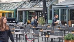 De terrassen waren rond zes uur leeg in Breda (foto: Omroep Brabant).