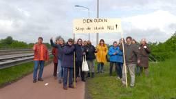 Bewoners van de wijk Brouwhuis in Helmond zijn de stank helemaal beu (Foto: Omroep Brabant)