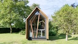 Het bedrijf in Oss regelt een minikantoor in je tuin (foto: Haaks Camp).