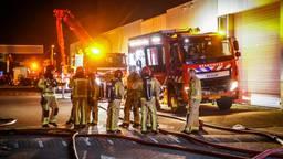 Grote brand verwoest bedrijfspand van Battery Street in Eindhoven