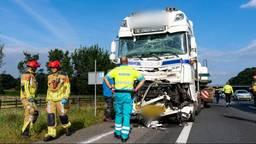 Botsing met twee vrachtwagens op de A59 bij Raamsdonk