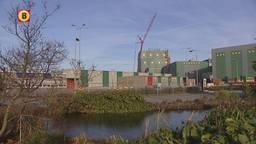 Letters terug op dak Heinekenbrouwerij Den Bosch