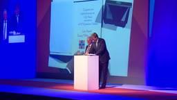 koning Willem-Alexander heeft in Born autofabriek VDL NedCar heropend