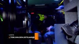 ME oefent illegale houseparty in Uden met stokken, stenen en snoeiharde muziek