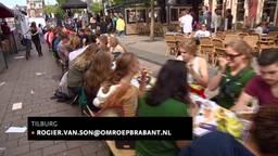 Tilburgse studenten leren koken van tv-kok Rudolph van Veen